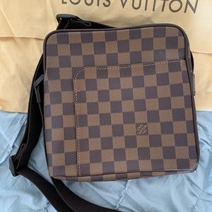 Louis Vuitton Damier Canvas Olav PM Messenger Bag